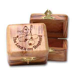 Engraved Large Olive Wood Keepsake boxes